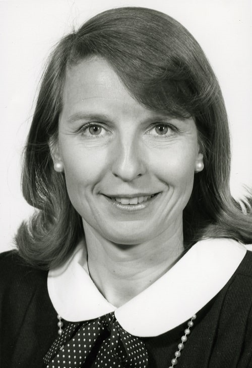 Photo Professor Linda Luxon